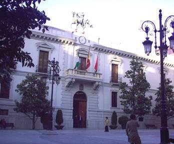 El ayuntamiento, del polémico caballo.